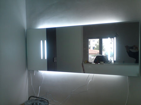 Διακοσμητικός καθρέφτης με  φωτισμό